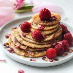 Vollkorn Pancakes mit Himbeeren