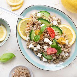 Griechischer Orzosalat mit Feta