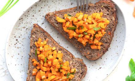 Schnelles Vollkornbrot mit Karottentatar