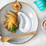 Kokosjoghurt mit pochierten Birnen