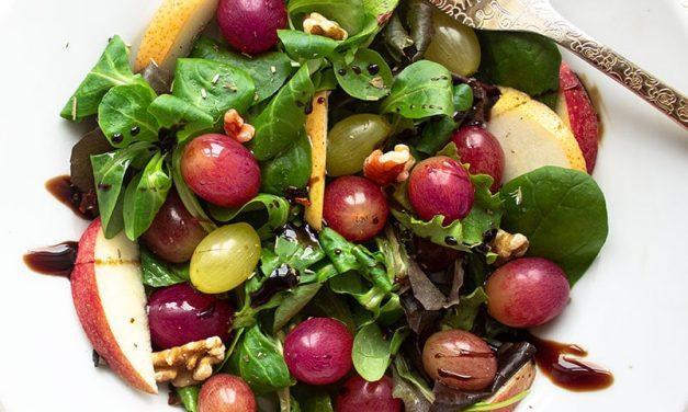 Weintraubensalat mit Balsamico Vinaigrette